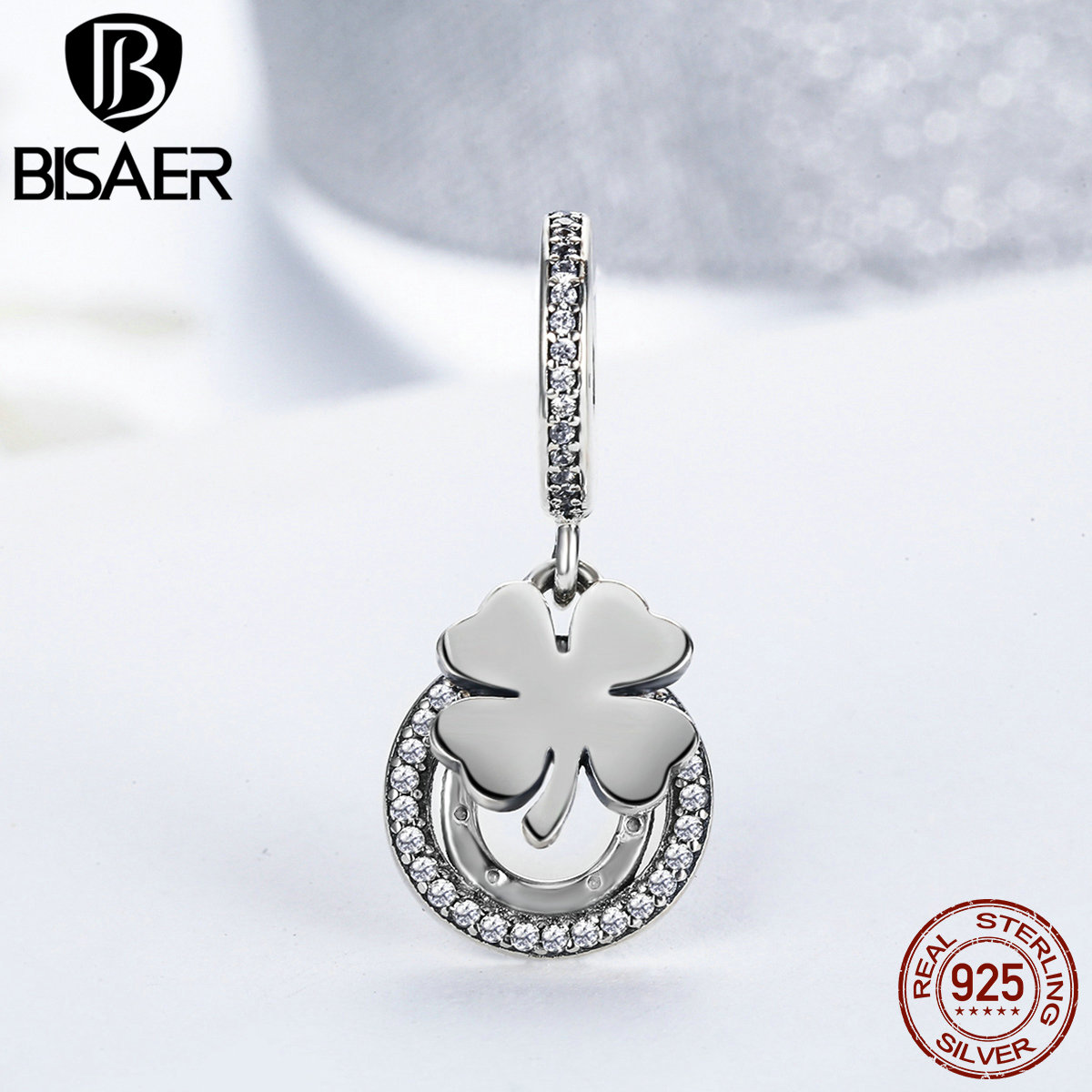lucky pendant with four leaf clover horseshoe